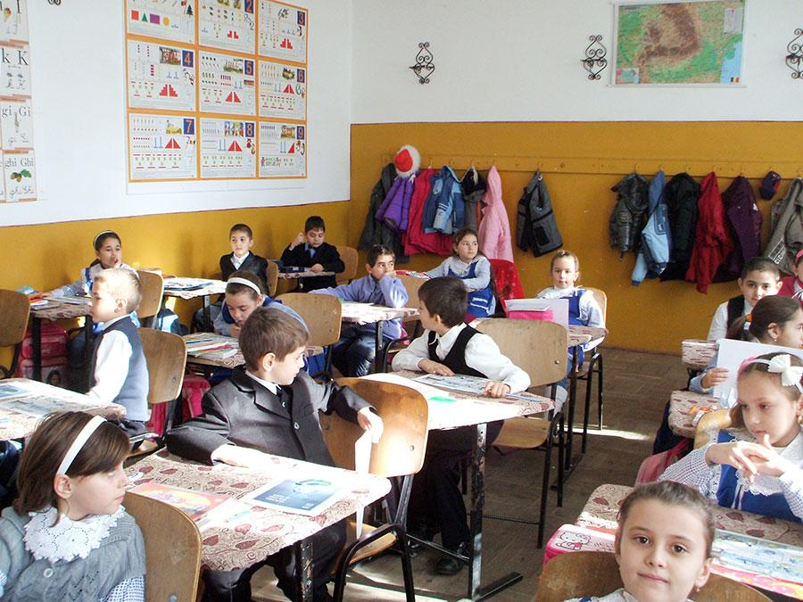 Elevii așteaptă de cel puțin doi ani o altă repartizare a materiilor la învățământul primar