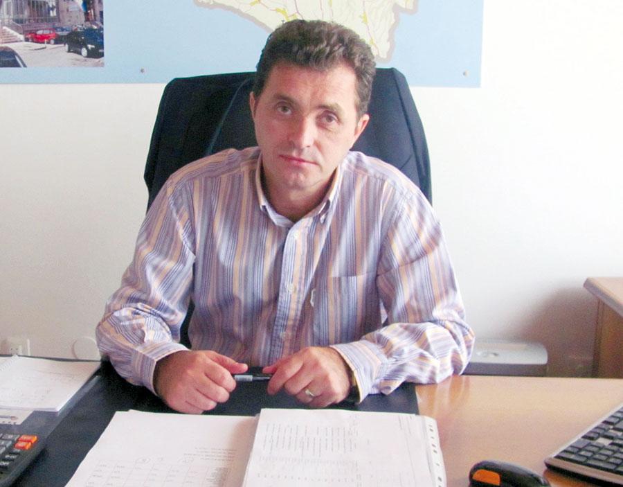 Ion Cupă, împreună cu noua conducere interimară a PDL Gorj, a dizolvat peste jumătate din conducerile organizațiilor interne