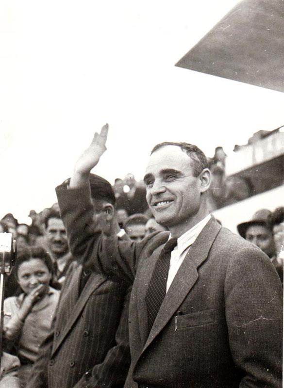 """Este indiscutabil că românii l-au considerat pe Gh. Gheorghiu Dej """"cel mai iubit..."""" în comparaţie cu agenţii Moscovei"""