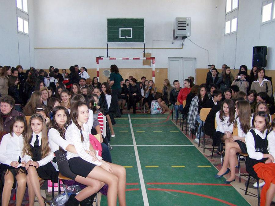 O imagine surprinsă la una dintre şcolile implicate în proiect