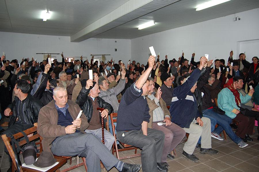 Membrii Asociației au hotărât, într-o majoritate covârșitoare, să se continuie demersurile pentru anularea contractelor de arendă, cu rice risc