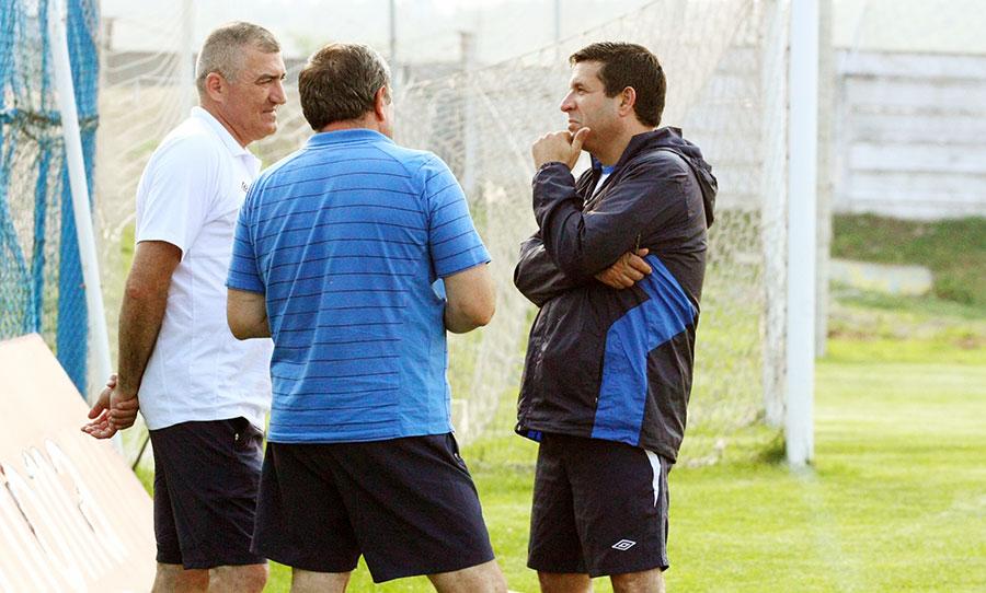 Deşi nu mai este antrenor la Pandurii, Petre Grigoraş nu se fereşte să le dea sfaturi oficialilor clubului de fotbal gorjean.