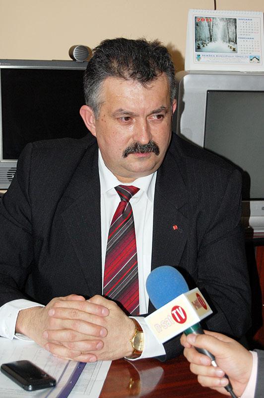 Inspectorul şcolar Ion Işfan a acordat superlativele acestui an şcolar