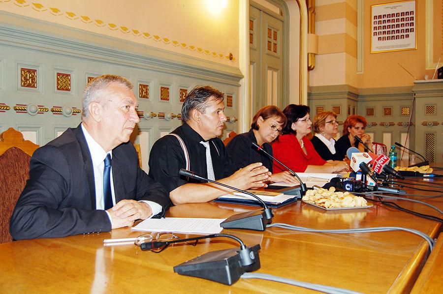 Motivul dezbaterii- găsirea unui echilibru între interesul instituţiilor media şi interesul publicului din Oltenia