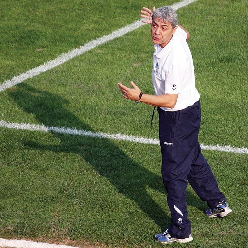 Antrenorul veteran Sorin Cârţu ar putea reveni pe stadionul din Târgu Jiu, însă în calitate doar de spectator.