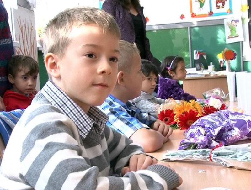 Sălile pentru clasele pregătitoare aşteaptă elevii