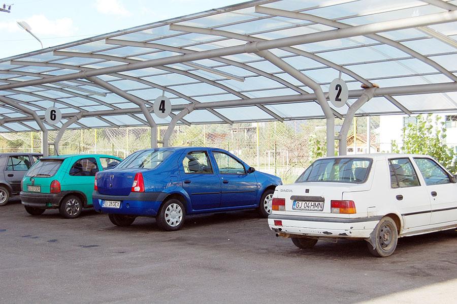 Chiria pentru locurile de parcare acoperite din Rovinari este dublă față de cea pentru locurile neacoperite