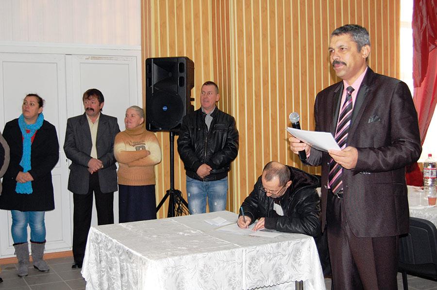 Autoritățile din Fărcășești au oferit diplome de fidelitate și premii cuplurilor de vârstnici din localitate care au împlinit 50 de ani de conviețuire