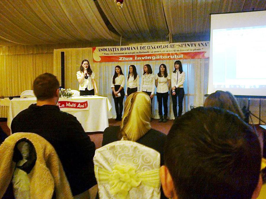"""Asociația Română de Oncologie """"Sfânta Ana"""" și Primăria Municipiului Tg-Jiu au organizat sâmbătă, 7 decembrie 2013, ediția a doua a """"Zilei Învingătorului""""."""