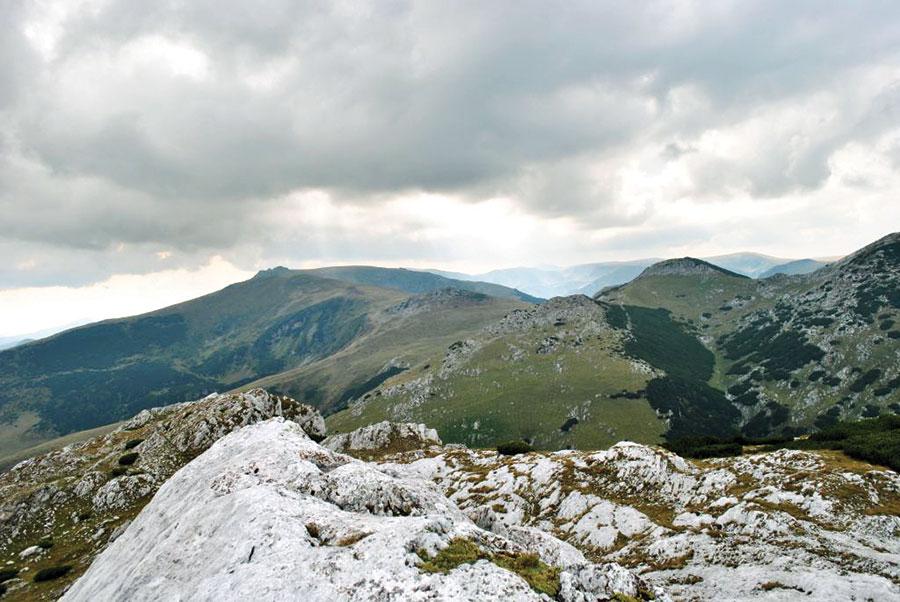 Ținutul Retezatul Mic- Oslea, zona de acțiune pentru Festivalul Drumeții Montane 2014