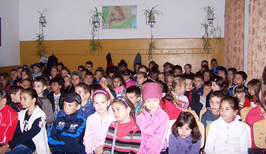 Elevii de la Băleşti au participat cu entuziasm la manifestări