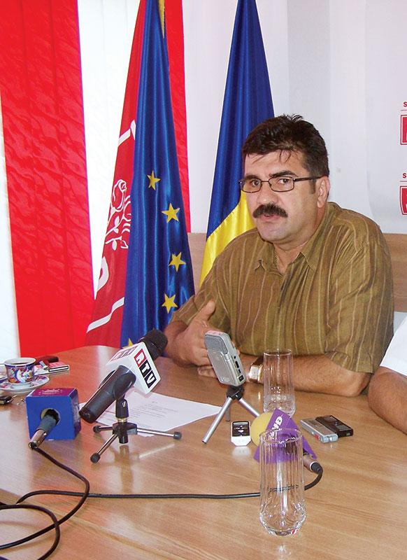 Pe vremea când participa la conferințele de presă ale partidului din care făcea parte, Ciurel era foarte dur în exprimare, imediat cum a fost dat jos de pe funcție s-a îmbolnăvit subit