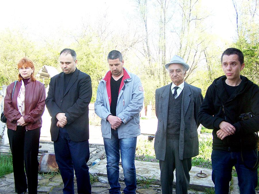 Bisericile de lemn din Bălești sunt foarte valoroase, acest lucru încearcă să îl explice profesorii către elevii din Bălești