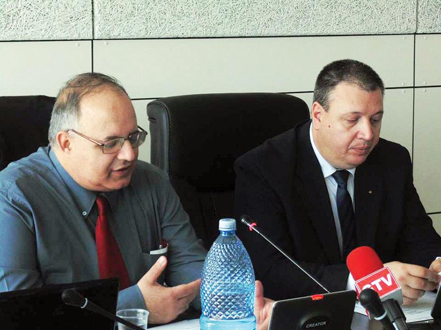 Reuniunea istoricilor a fost prezidată de profesorii universitari Bogdan Murgescu şi Sorin Liviu Damean