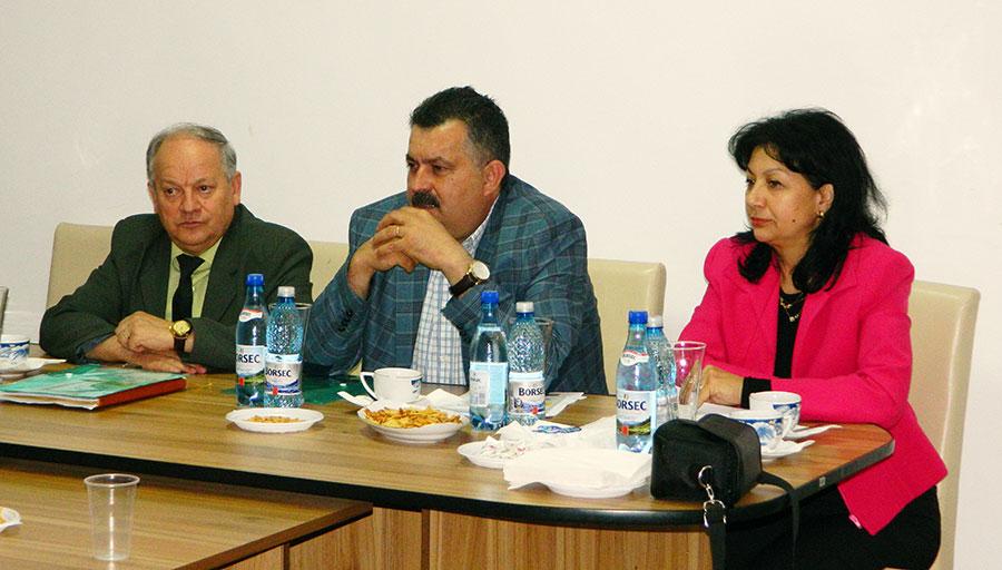 La această manifestare s-au întâlnit reprezentanţii celor mai importante instituţii din învăţământul gorjean: ISJ Gorj, CCD Gorj şi CJRAE
