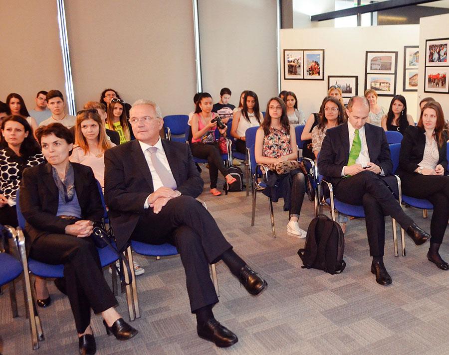 Elevii de la CNET s-au întâlnit cu Neven Mimica, Comisarul European pentru Protecția Consumatorilor.