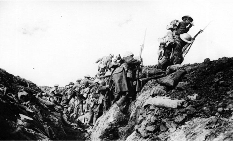 Soldaţii români au fost nevoiţi să lupte atât pe front cât şi în spatele lui