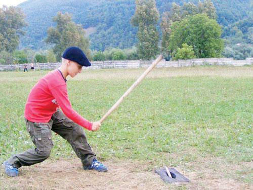 Multe dintre jocurile tradiționale ale copiilor au devenit amintire
