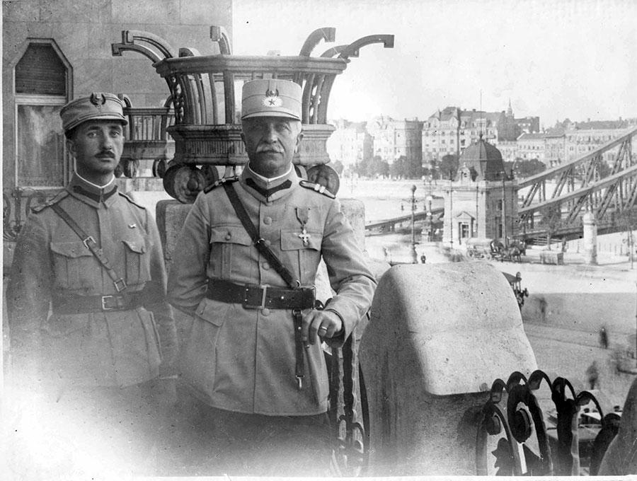 Prima fază a participării României la Primul Război Mondial a însemnat forţarea graniţei spre Ardeal