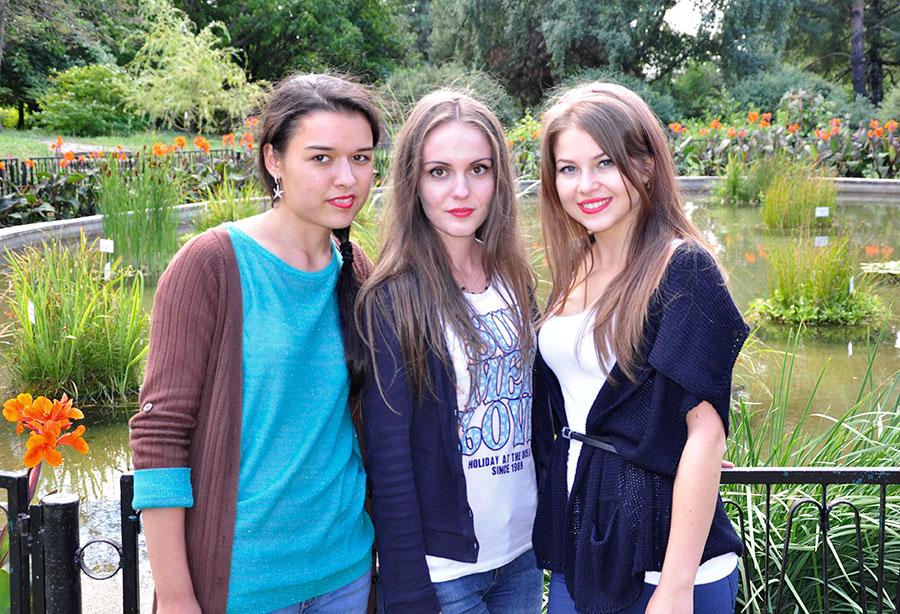 Iată cele trei reprezentante ale Gorjului la tabăra din Moldova