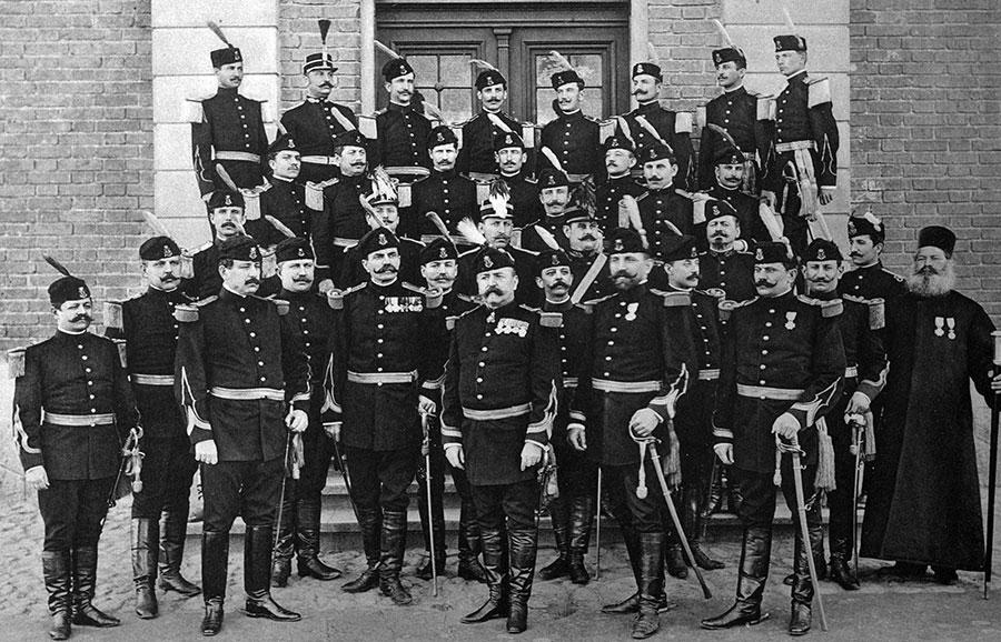 În imagine o parte din ofițerii Regimentului 18 Gorj la începutul secolului trecut