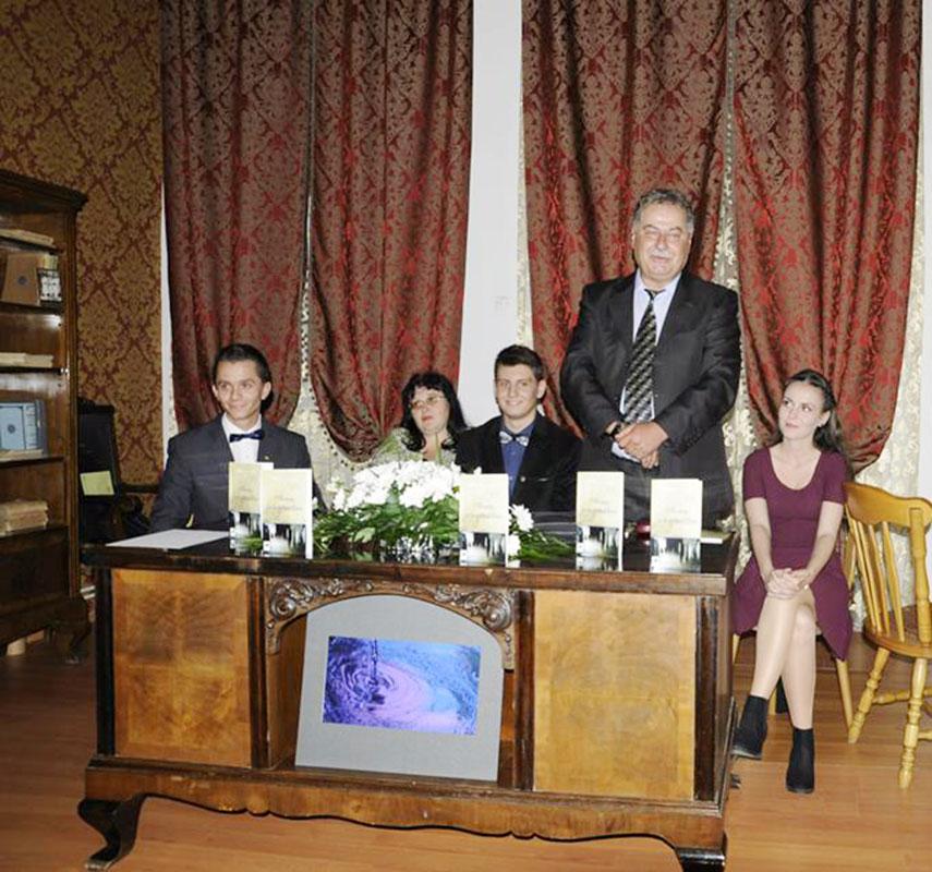 Tânărul poet a avut parte de o lansare de gală la Muzeul Judeţean