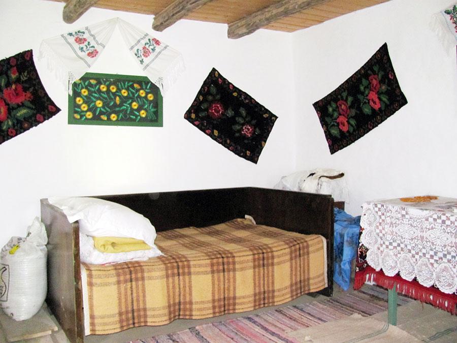 Iată cum se mai păstrează unele case din localitate în perioada contemporană