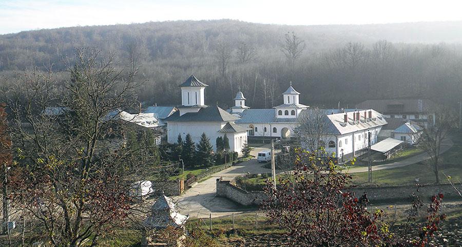 Mânăstirea Strâmba a avut un trecut zbuciumat după moartea ctitorului său, Stoichiță Râioșanu