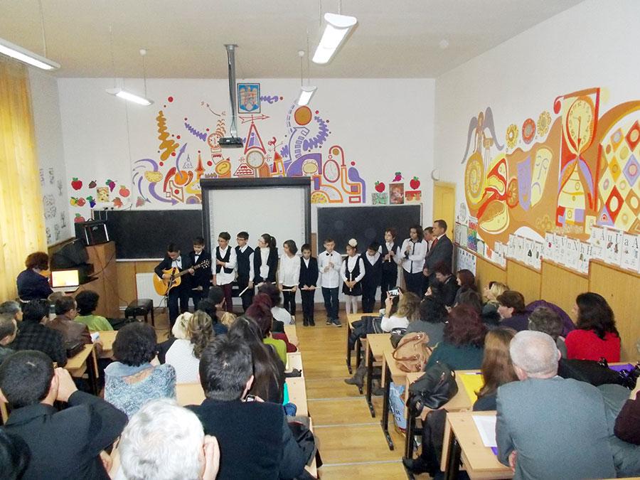 Elevii şi profesorii sunt garanţia că în această şcoală se lucrează după model european