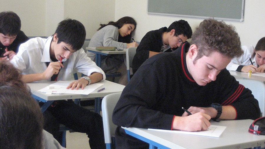 Rezultatele de la simulare impun ore speciale de pregătire la disciplinele de examen