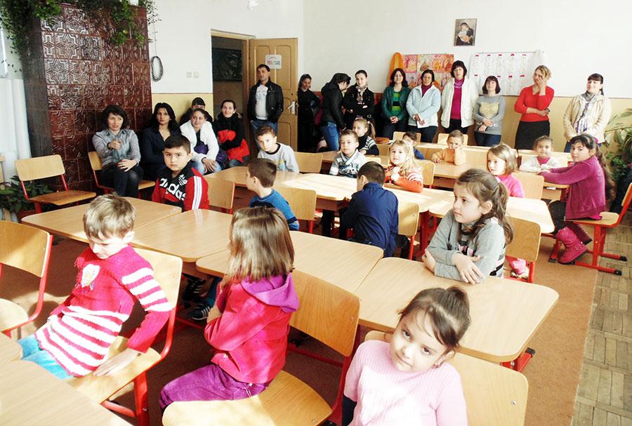 """Preșcolari și părinți au venit la """"Ziua Porților Deschise"""" la Ceauru"""
