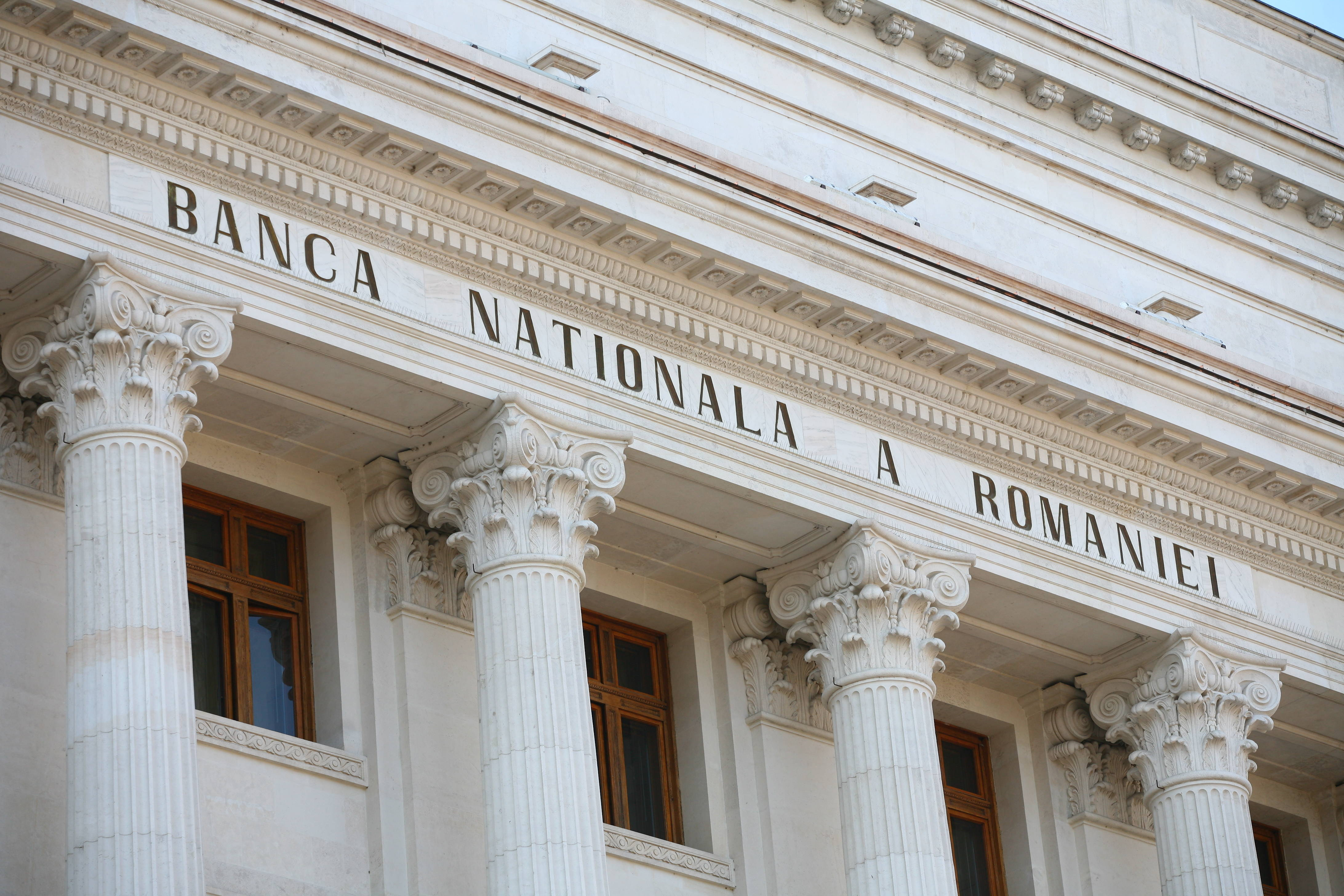 Banca Naţională a României estimează o inflaţie de minus 0,3% pentru acest an