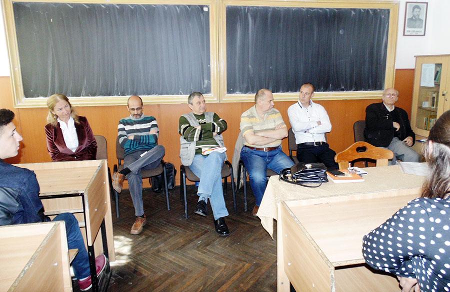Elisabeta Gâlcescu, Marius Iorga, Spiridon Popescu, Cristian George Brebenel, Valentin Chepeneag și Vasile Ponea s-au întâlnit cu elevii