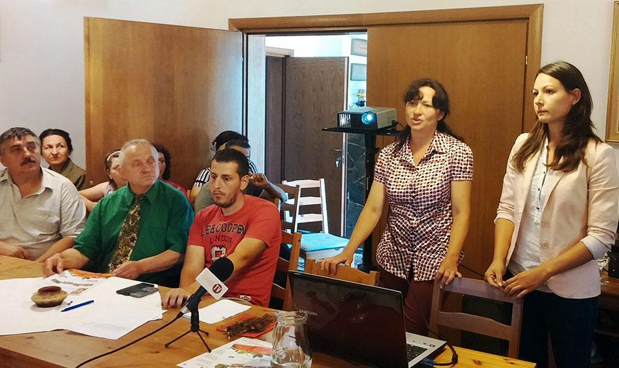 Reprezentanții Mozzoni Group din Italia au prezentat producătorilor soiurile de căpșuni pentru care le pot pune la dispoziție stoloni