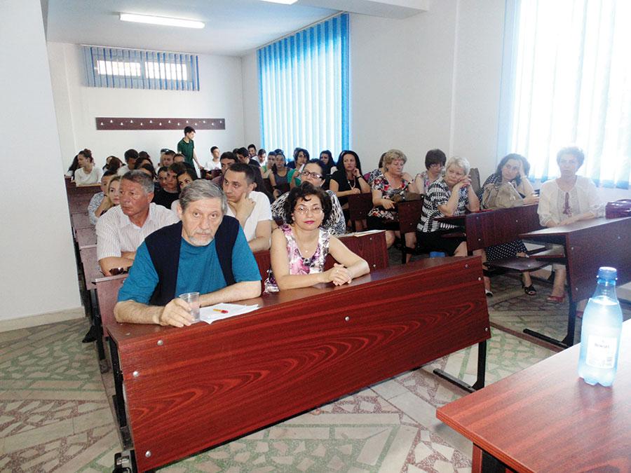 Elevi și profesori au audiat comunicările prezentate
