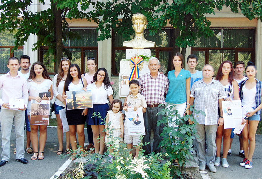 Elevi, profesori, membrii ai familiei, istorici, l-au comemorat pe Cătălin Haidău