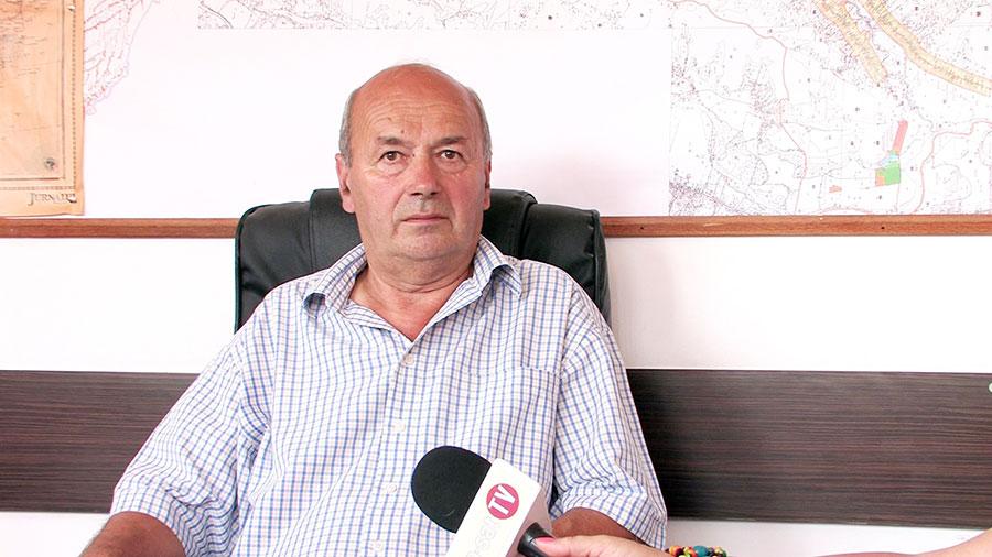 Ștefan Lupu, primarul comunei Stejari, se zbate pentru accesarea de fonduri