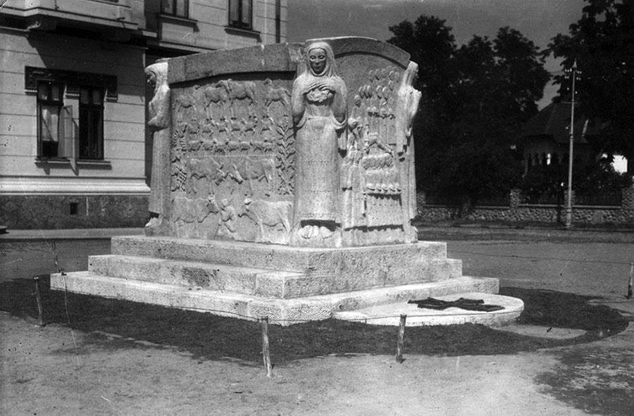 În lipsa unor repere grafice, turiștii care vin la Târgu-Jiu riscă să nu afle că aici este mormântul Ecaterinei Teodoroiu