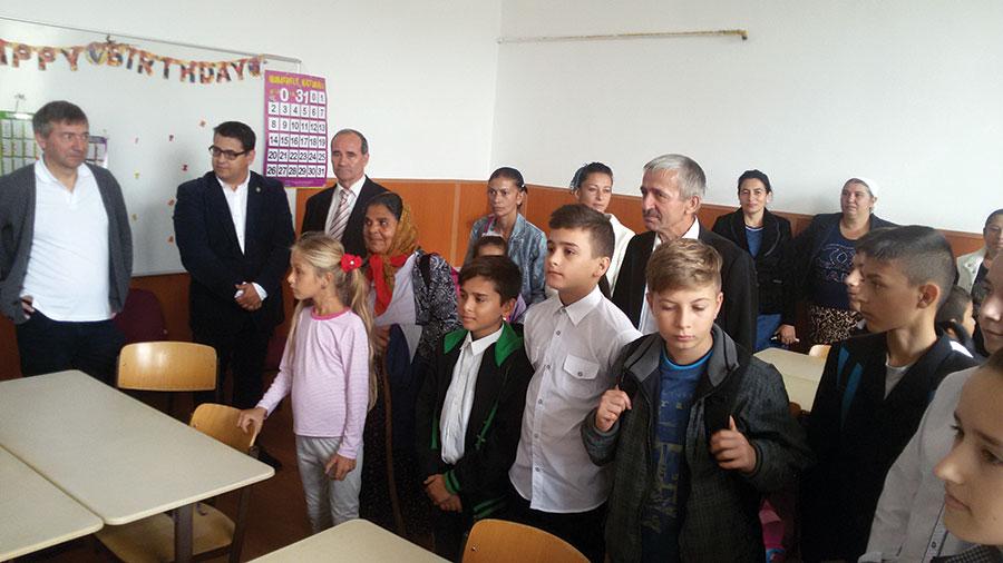 """Copiii din clasele II-IV ai Școlii Gimnaziale """"Voievod Litovoi"""", care fac parte din familii nevoiașe, au acum After School"""