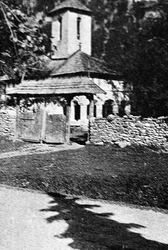 În preajma Mânăstirii Lainici s-au dat lupte grele în toamna anului 1916