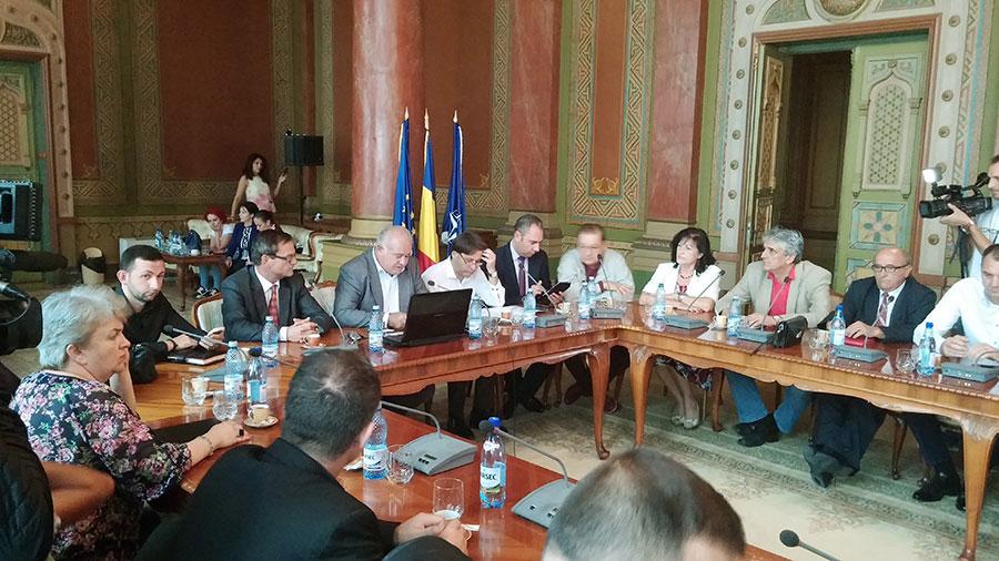 Consiliul Județean Gorj blocat de consilierii PNL, apoi redresat de o parte dintre ei
