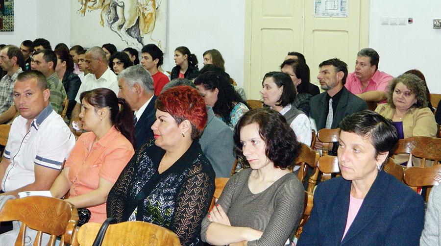 Salariile cadrelor didactice vor crește de Ziua Națională