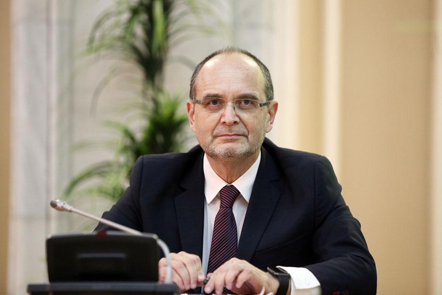 Ministrul Educaţiei anunţă un test online pentru directorii de şcoli