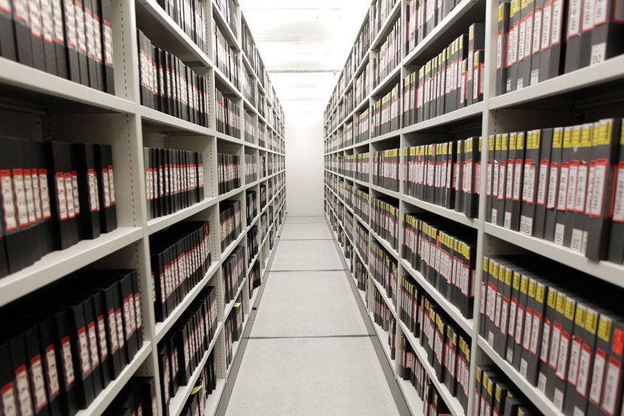 Arhiviştii gorjeni au urmărit perfecţionarea evidenţei arhivistice a fondurilor şi colecţiilor din depozitele proprii