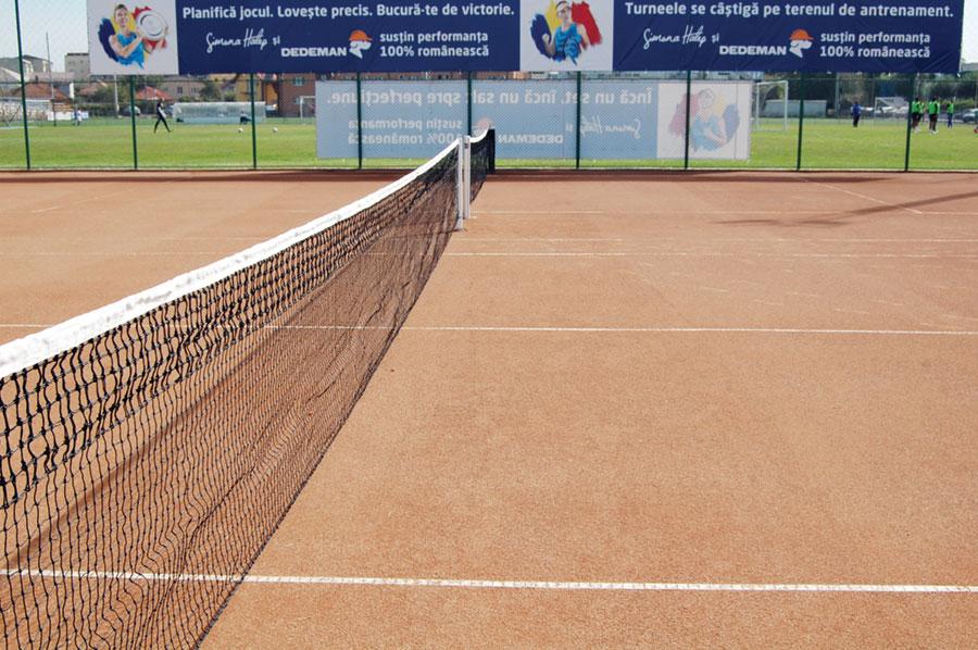 Tenisul poate deveni un punct de atracție la Târgu Jiu, atât pentru practicanți cât și pentru public