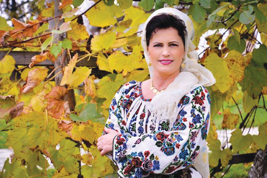 """Emilia Drăgotoiu Nanu: """"Am crescut în spiritul unor trăiri pe care ți le poate trezi doar acest domeniu al culturii pur românești"""""""