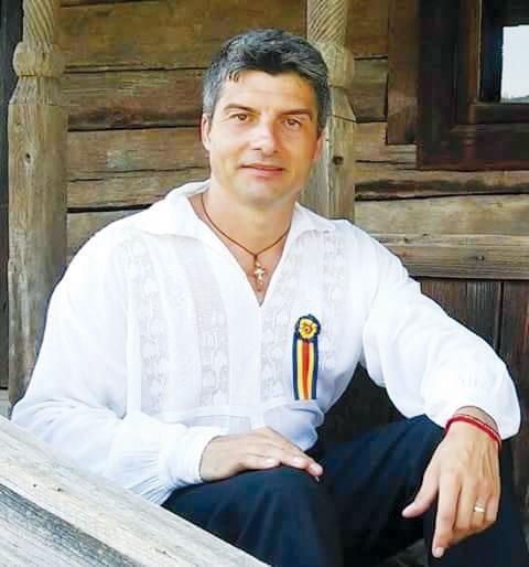 Marius Petrișor a plecat în Italia pe drumul cântecului, dar vrea să revină în România lui iubită