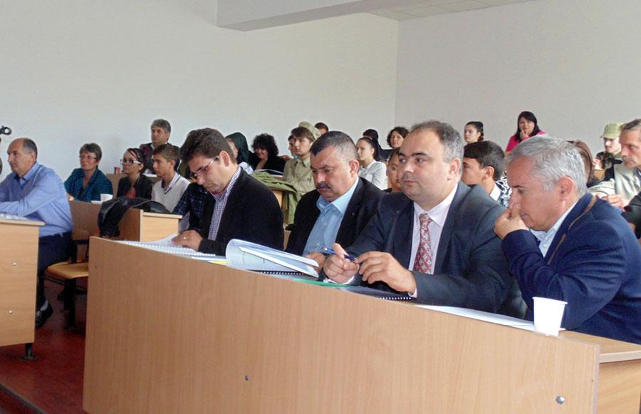 Competiția a fost onorată în fiecare an de participarea primarului localității și de reprezentanții la vârf ai autorităților școlare