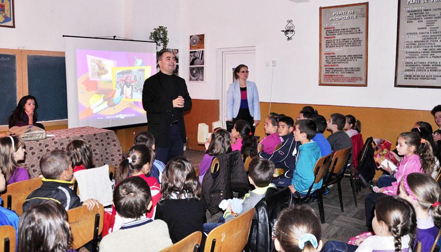 Elevii din Băleşti au primit foarte bine proiecţiile ASTRA FILM
