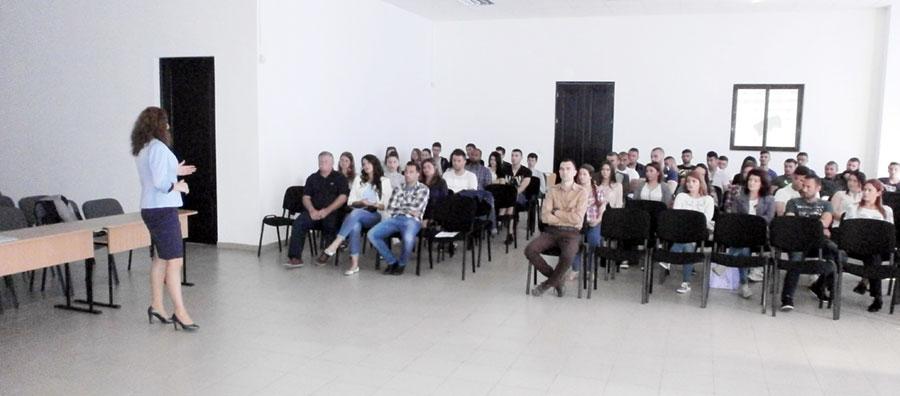 """Serviciul Judeţean Anticorupţie Gorj a marcat ziua aniversară la Universitatea """"Constantin Brâncuşi"""" din Târgu Jiu"""
